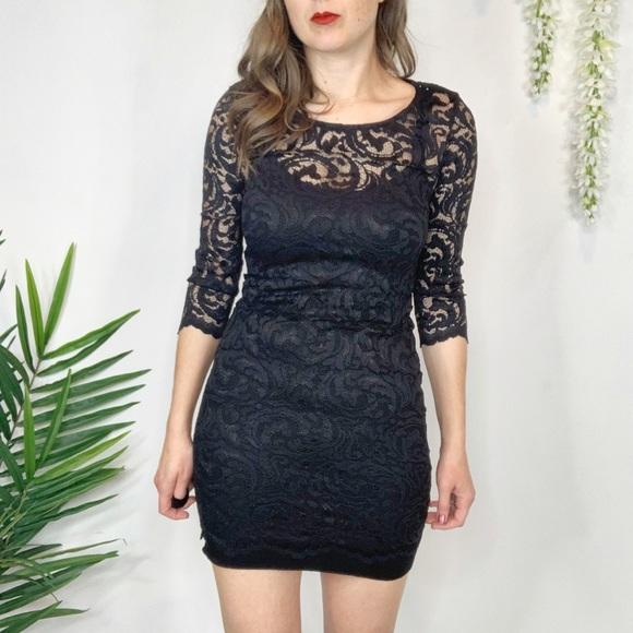 Velvet by Graham & Spencer Dresses & Skirts - VELVET by GRAHAM & SPENCER black lace dress 1034